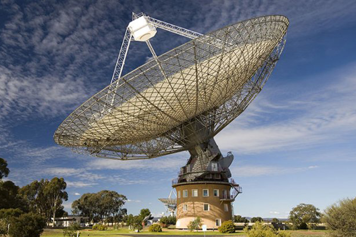 Радиотелескоп Parkes зафиксировал 4 импульса радиоизлучения