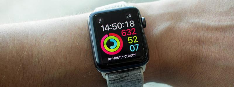 На Apple подали в суд из-за вздувшейся батареи в Apple Watch