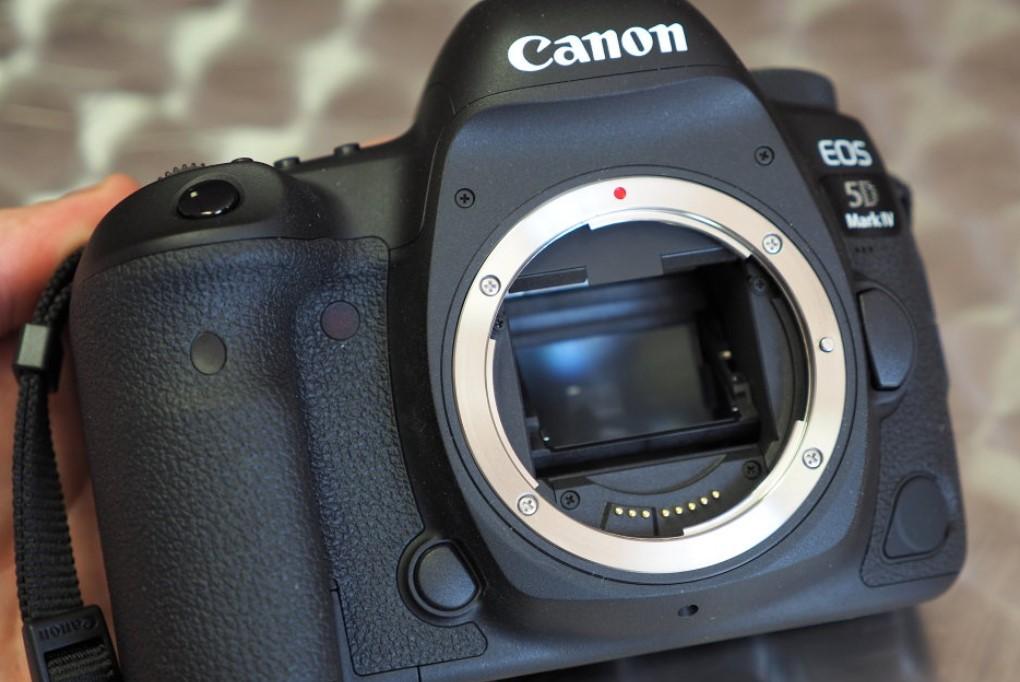 Производство Canon EOS достигло 100 млн единиц