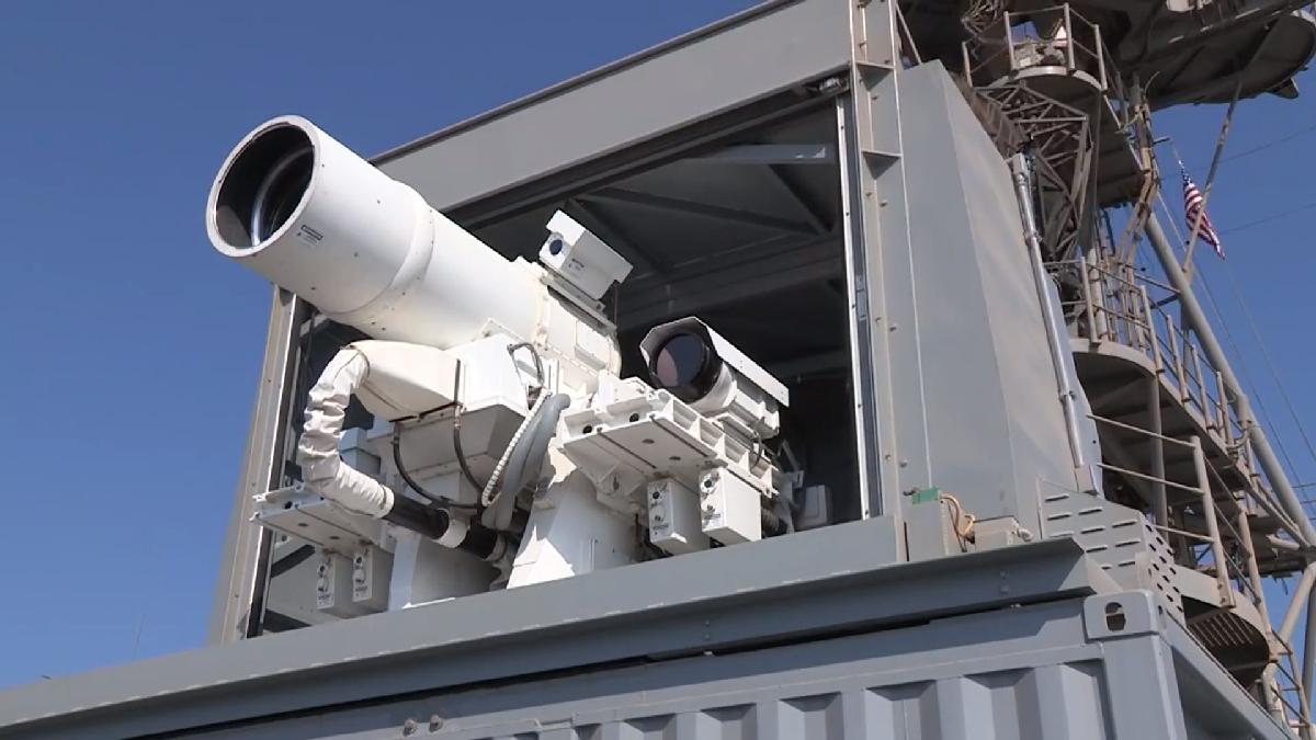 В сети появились живые фото американского военного лазера, готового к транспортировке