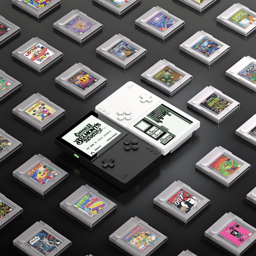 Analogue Pocket имеет3,5-дюймовый дисплей сразрешением1600x1440